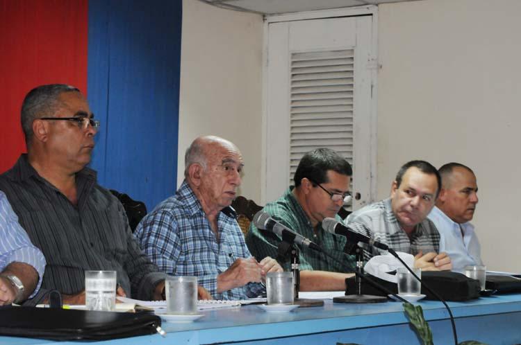 Machado Ventura: Debemos hacer una zafra estable y eficiente