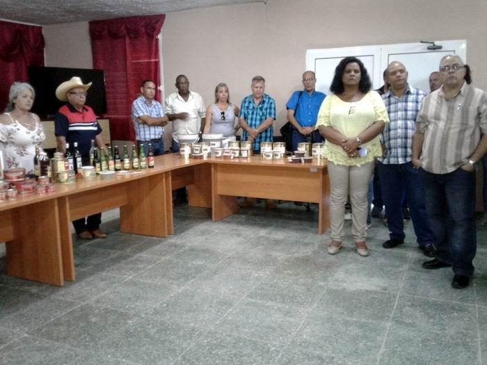Recorrido por la minindustria Tres Picos, en San Miguel del Padrón