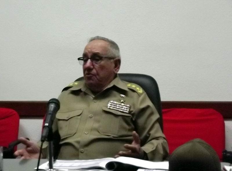 Chequea el miembro del Buró Político del PCC, General de Cuerpo de Ejército Ramón Espinosa Martín, tareas de la recuperación