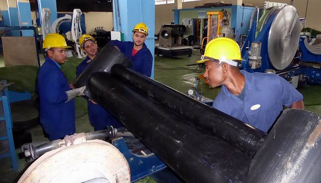Preparan montaje de línea para tuberías de 1 200 milímetros. Foto Yenis Rodríguez Zabala