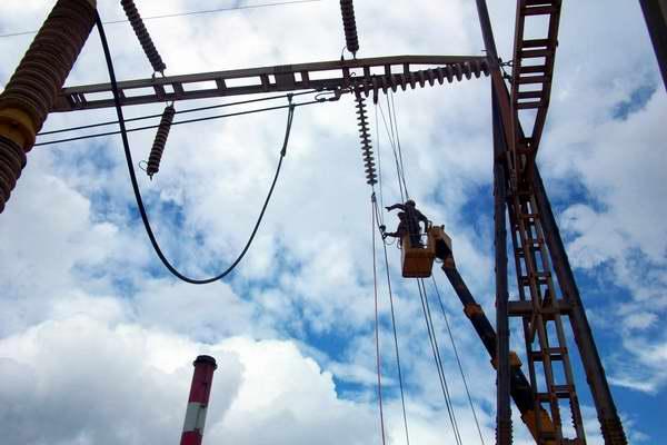 Laboran en estabilidad del sistema electroenergético nacional