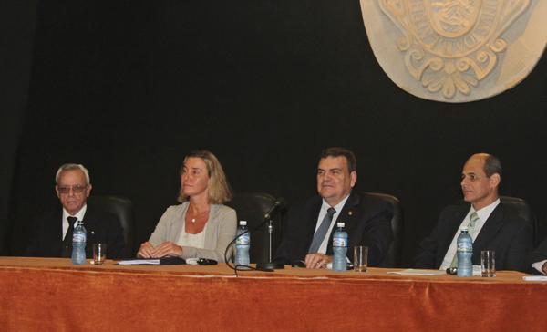 """Federica Mogherini: """"La UE seguirá trabajando para poner fin al bloqueo"""""""
