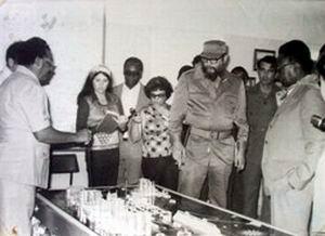 Fidel Castro inauguró la Fábrica de Cemento Karl Marx (1980) en Cienfuegos