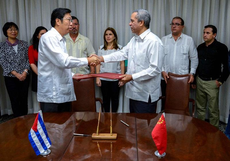 Firman Cuba y China actas de nuevos proyectos