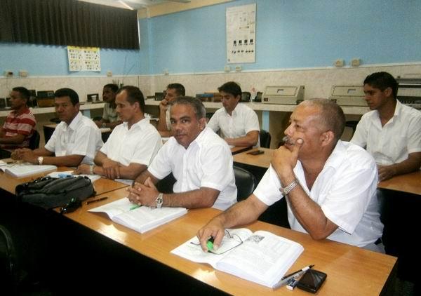 Graduados m�s de 24 mil trabajadores en Centro Nacional para la Certificaci�n Industrial