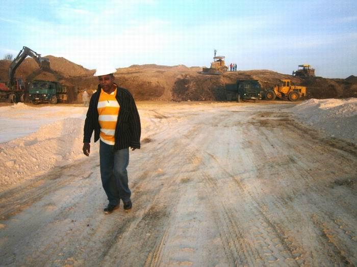 El Director Adjunto de la ECOI 12, Joel Correa Alonso precisa que parte de la capacidad constructiva está en la obra del Programa Energético. Foto: Mireya Ojeda