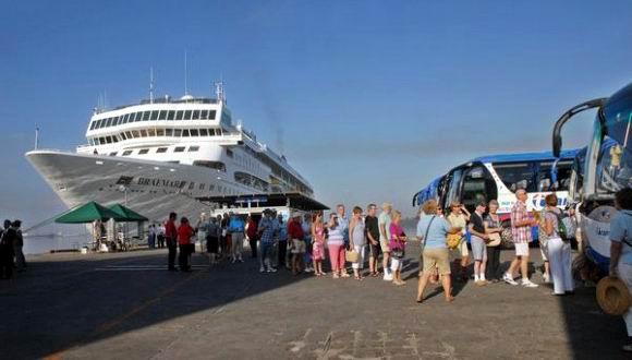Logrará Cuba nuevo récord de turistas en un año
