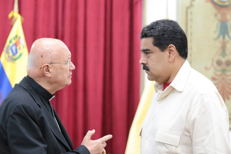 Oposición venezolana concluye reunión sin confirmar su presencia en diálogo