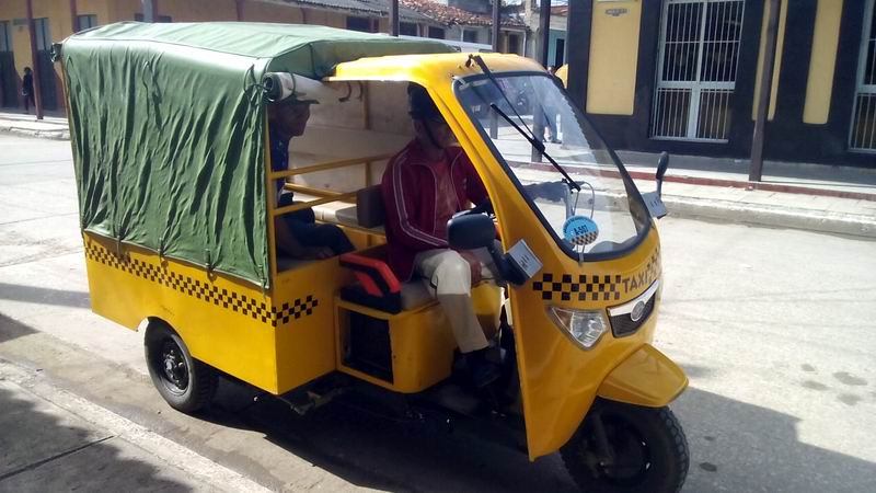 The Motorcycle Taxi Service Reinforces Transportation in Ciego de Ávila