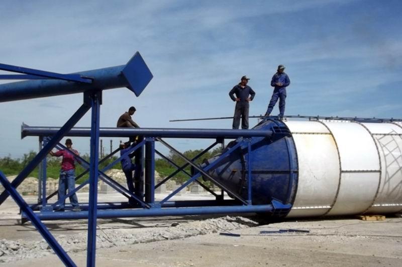 La rehabilitación de la Planta de prefabricados de Nuevitas incluyó el montaje de una nueva mezcladora de hormigón.