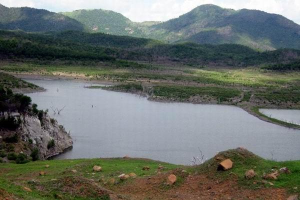 Emergency measures taken in Santiago de Cuba due to drought. Photo by Carlos Sanabia