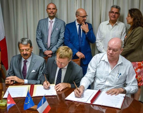 Ofrece Francia crédito de 25 millones de euros para Cuba (+Audio y Fotos)