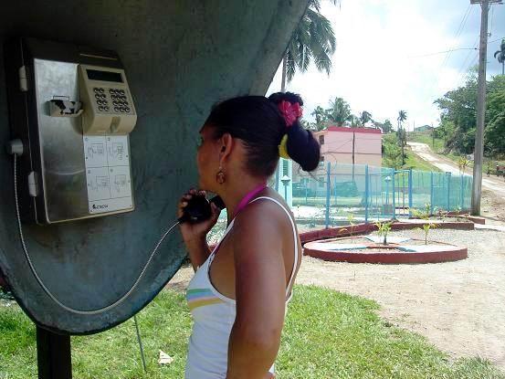Servicio telefónico Calabazas de Sagua. Foto: Aroldo García