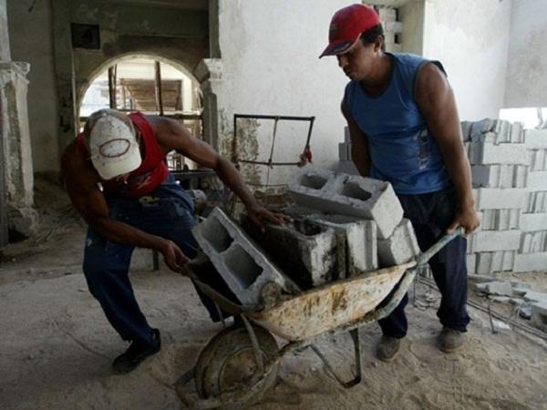 Evalúan producción local de materiales de la construcción