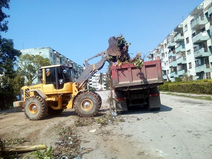 Intensifican recuperación en el municipio habanero La Lisa. Foto: Carlos Serpa