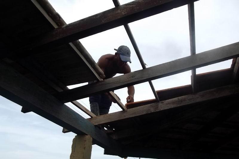 La reparación de cubiertas es otro frente con prioridad para atender las necesidades de instituciones y de la población.