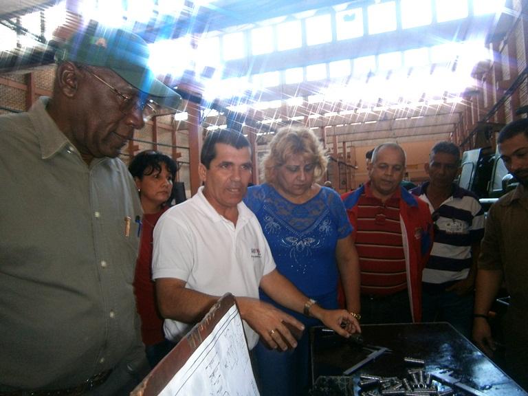 Recorrió Salvador Valdés Mesa empresas económicas de Cienfuegos