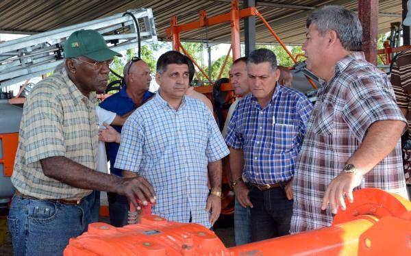 Recorre Salvador Vald�s Mesa objetivos econ�micos de Mayabeque