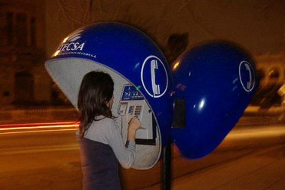 ETECSA realizará una prueba de telefonía pública con la red celular.