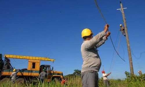 Reducen en Cuba interrupciones en el servicio eléctrico