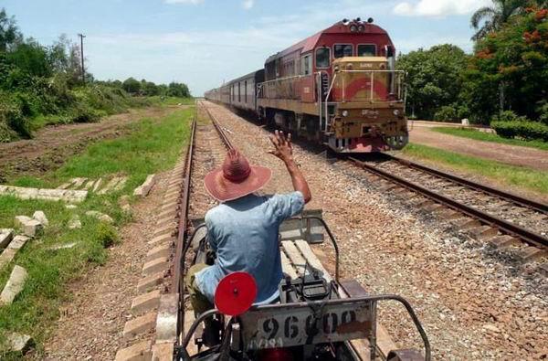 Ferrocarriles de Cuba reanuda sus servicios