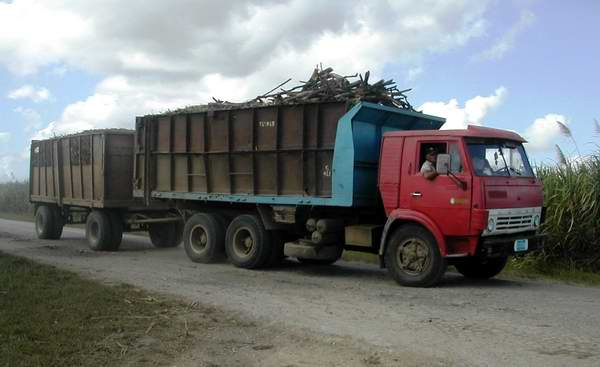 Zafra azucarera en Santiago de Cuba