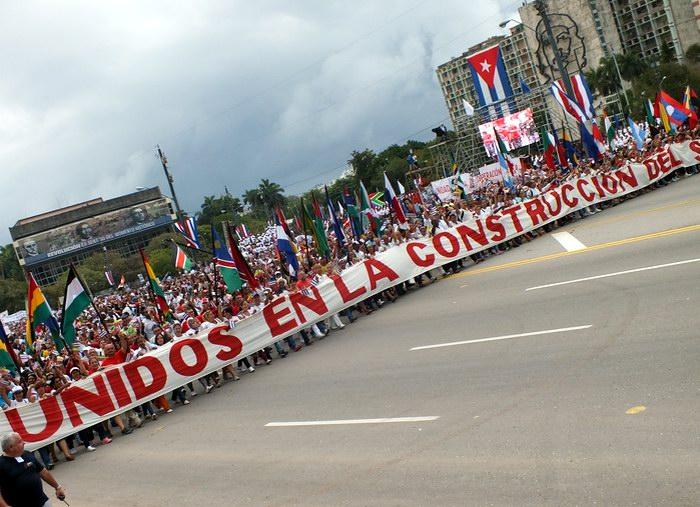 Unidos en la construcción del socialismo, es el lema que presidió la celebración de este 1ro. de mayo. Foto: Abel Rojas Barallobre