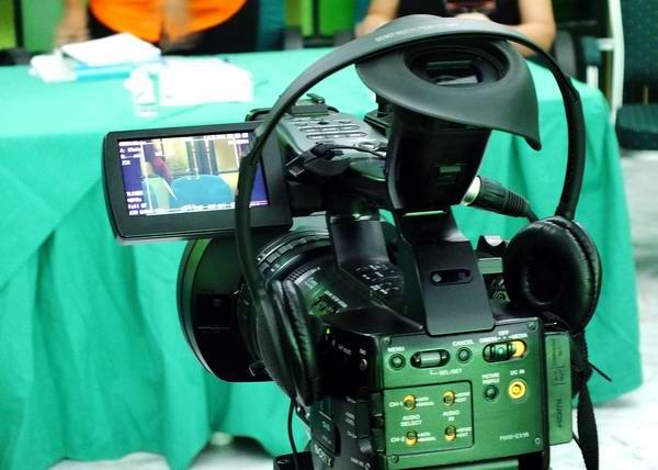 Audífonos para la realización del sonido en los medios de comuncación cubanos. Foto Abel Rojas