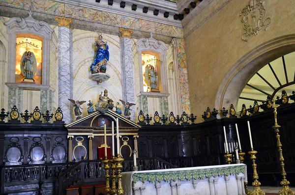 La Catedral de La Habana posee varias reliquias y sagrarios. Foto: Abel Rojas Barallobre