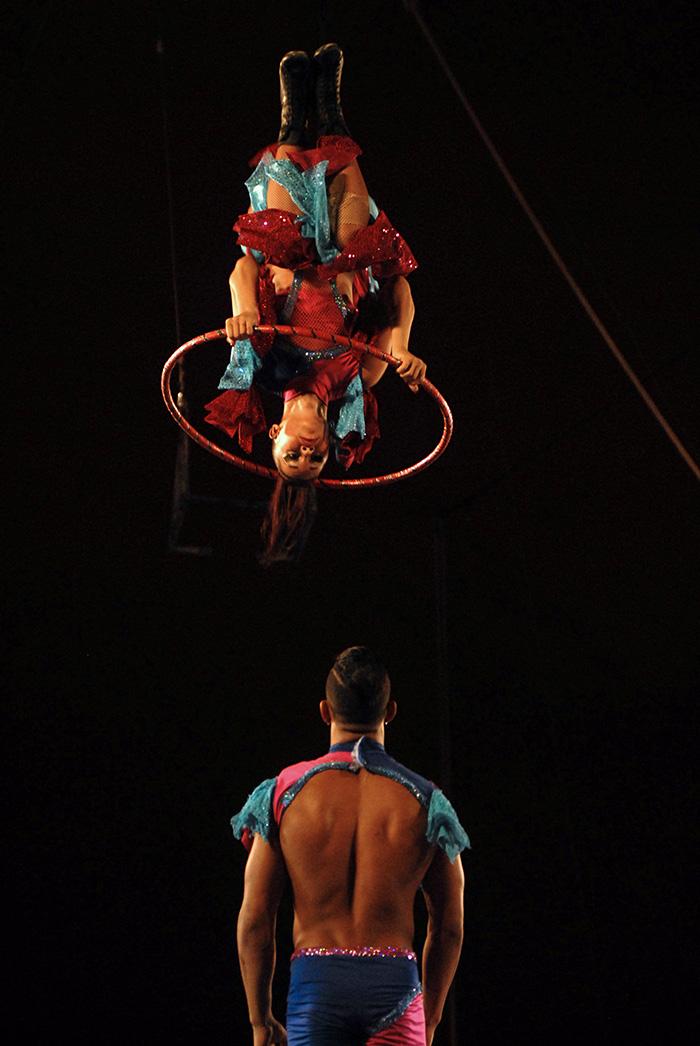 Un verano entre las cintas y malabares del Circo