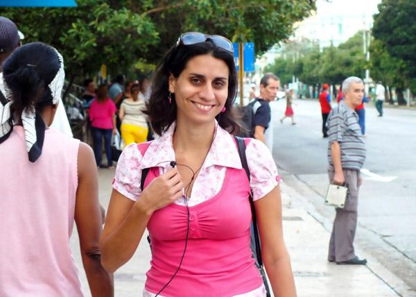 Con un carácter matizado por el humor y a la vez sensato y atento; así somos la mayoría de los cubanos. Foto Abel Rojas Barallobre
