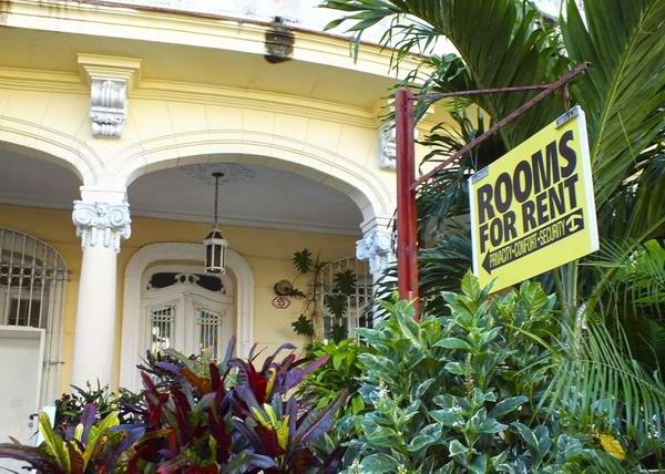 Más de 25 mil personas se dedican al arrendamiento de viviendas. Foto Abel Rojas Barallobre