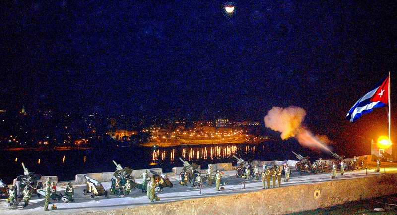 ¿Por qué se disparan en Cuba 21 salvas de artillería?. Foto: José M. Correa