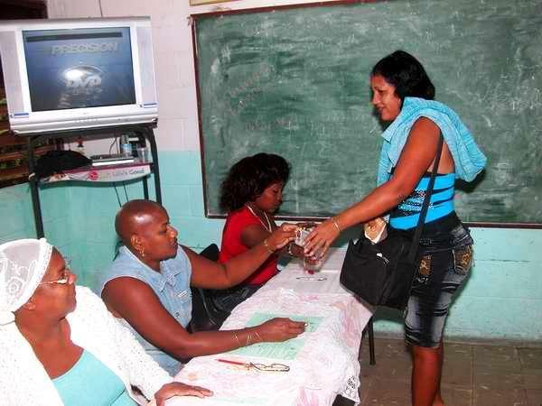 Elecciones en el reparto La Fortuna, municipio Boyeros. Foto Abel Rojas