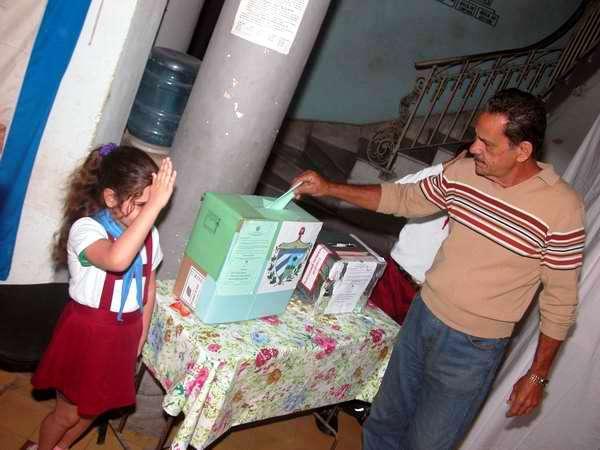Elecciones en el reparto capitalino de La Víbora, municipio Diez de Octubre. Foto Abel Rojas