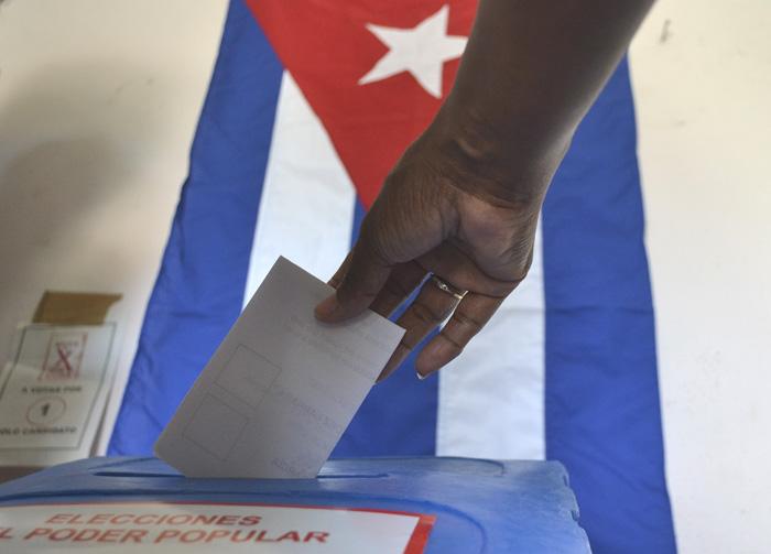 ¿Por qué Cuba vota este domingo? (+Fotos)