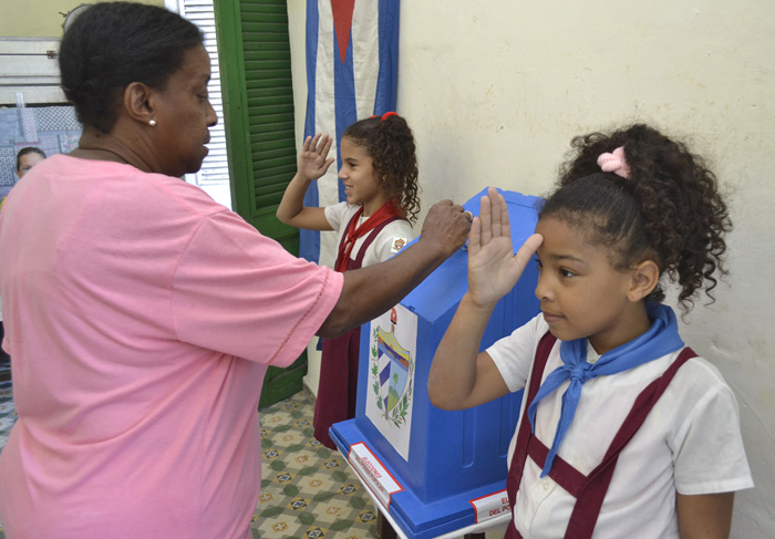 Más de cuatro millones de cubanos ya asistieron a las urnas. Foto: Abel Rojas