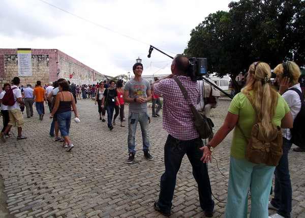 Los medios masivos de comunicación dieron amplia cobertura a las actividades de la Feria del Libro. Foto Abel Rojas