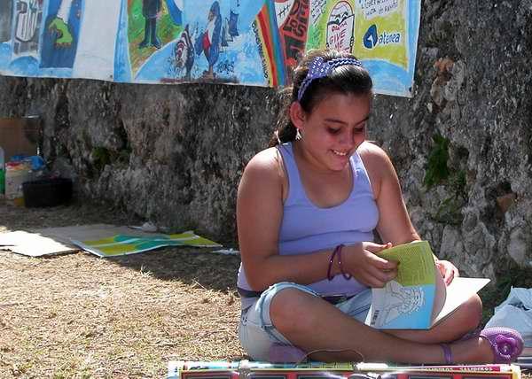 Los niños y jóvenes encontraron diversas propuestas literarias en la Feria. Foto Abel Rojas