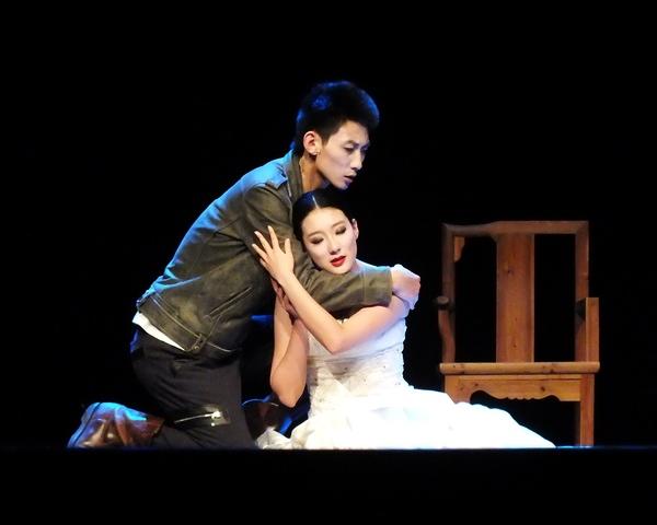 Amor incesto, temores, resentimientos, secretos familiares y fatalidades son los principales elementos de esta historia que tiene lugar durante los primeros años de la República en China. Foto Abel Rojas