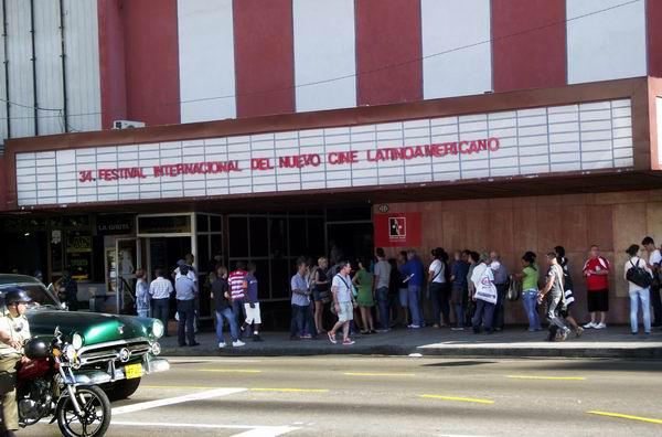 Hasta el corazón de La Rampa capitalina llega esta 34 edición del Festival del Nuevo Cine Latinoamericano. Foto Abel Rojas