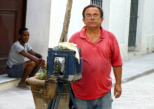 Los orígenes de la fotografía se remontan al siglo XIX. Foto Abel Rojas