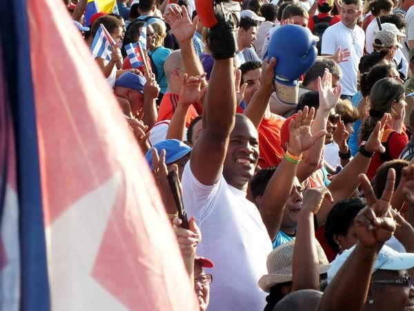 Félix Savón en la fiesta los trabajadores cubanos. Foto Abel Rojas Barallobre