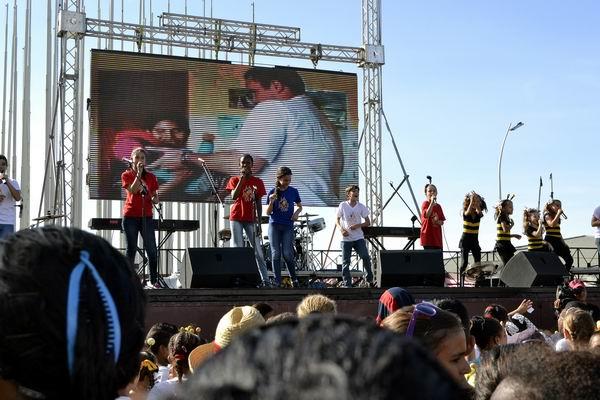 En la Tribuna Antiimperialista se realizó un gran concierto en reclamo del inmediato regreso a nuestra Patria de Gerardo, Ramón y Antonio. Foto Abel Rojas Barallobre