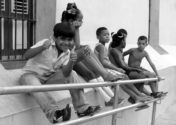 Ese tiempo de niños que no regresa, los amigos del barrio, de la escuela. Foto Abel Rojas Barallobre