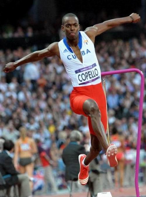 El cubano Alexis Copello terminó en el octavo puesto del triple salto de los XXX Juegos Olímpicos de Londres 2012. Foto: Marcelino Vázquez Hernández.