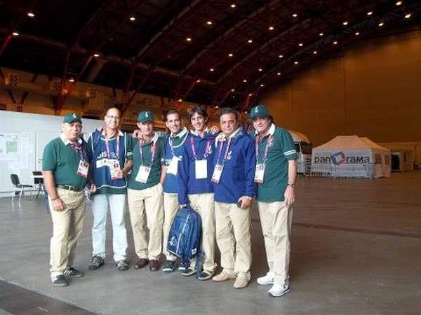 Grupo de holguineros que conformaron los equipos internacionales de televisión