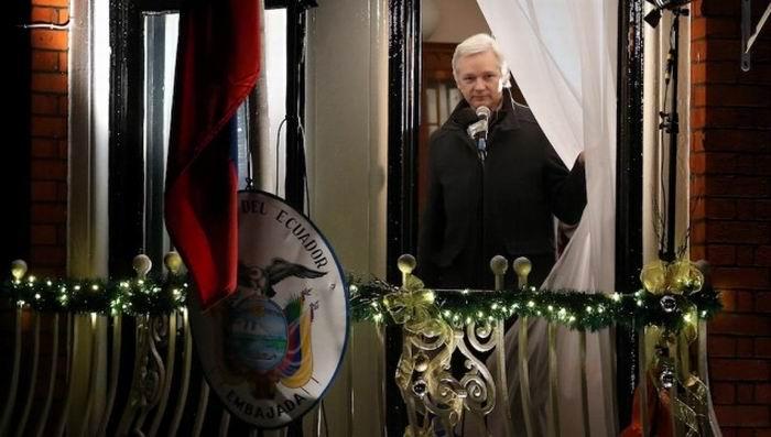 Ecuador, EEUU y Reino Unido quieren terminar asilo de Assange