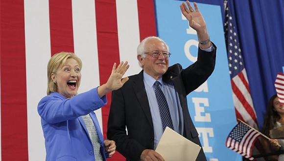 Bernie Sanders da su respaldo a la Clinton