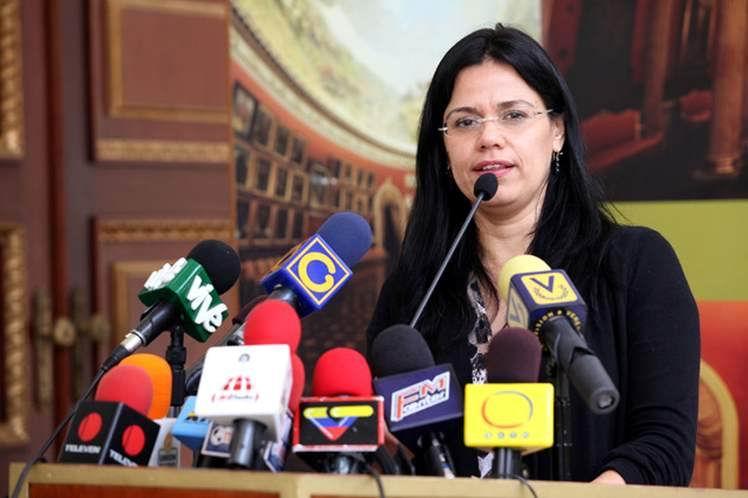 La ministra de la Mujer e Igualdad de Género, Blanca Eekhout, expresó su condena a la agresión de la que fue víctima la canciller Delcy Rodríguez en Argentina